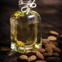 NATURAL BEAUTY | Are There Benefits To Using Almond Oil On Your Face?